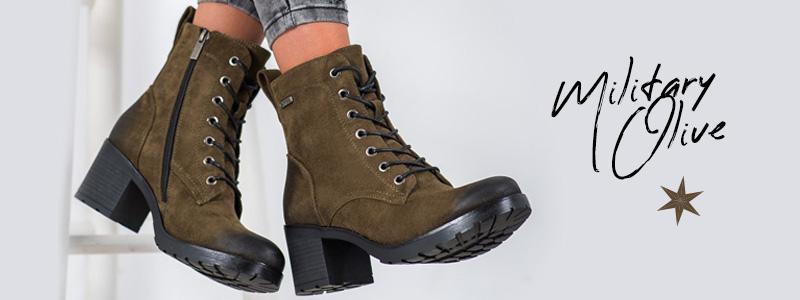 Модные сапоги к осенним ботинкам цвета милитари оливкового, то есть зеленого оттенка.