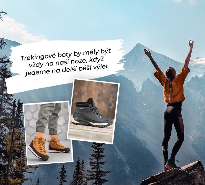Žena, procházky v horách v trekových botách se vztaženými pažemi